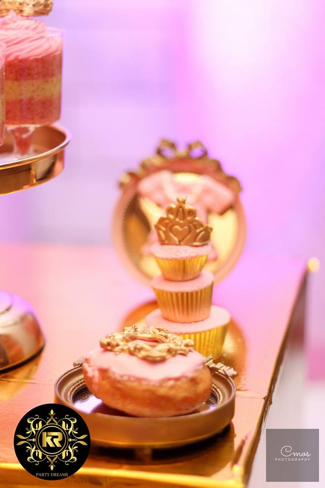 Golden-Princess-Castle-Birthday-Cupcake-Tower
