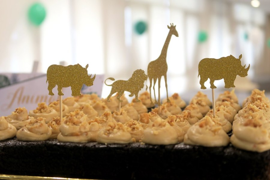 glitter animal toppers brownies