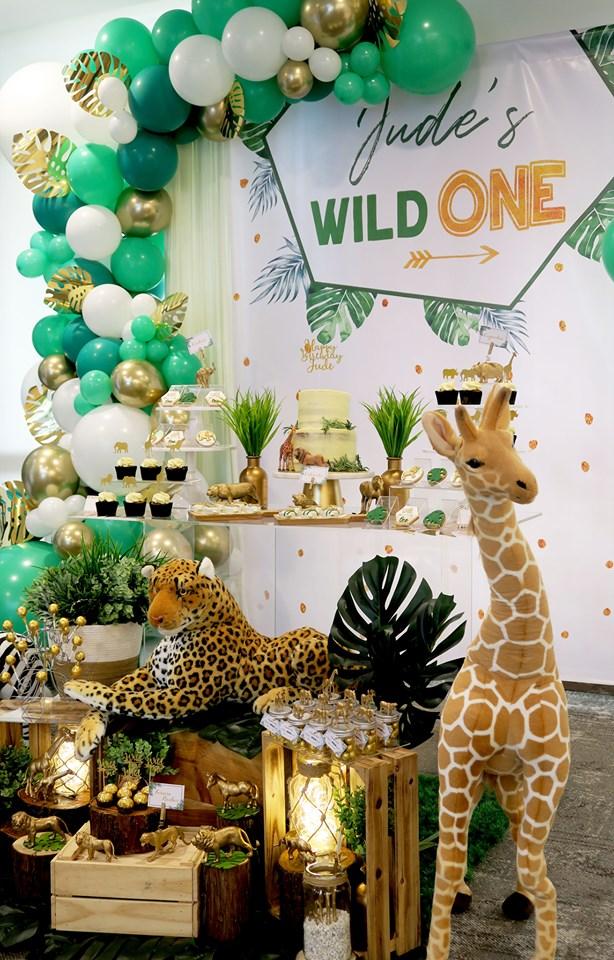 wild one birthday dessert table