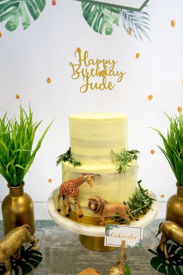 wild one safari birthday cake