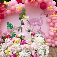 grand flamingo backdrop and tablescape