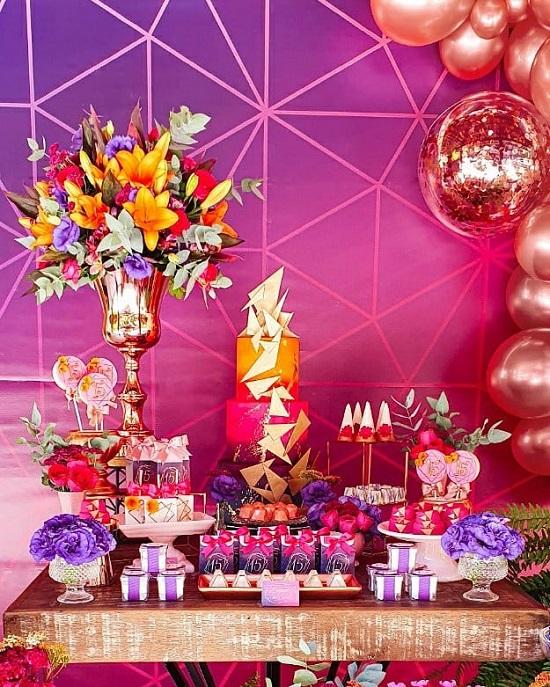 Rosa de oro y cumpleaños geométrica rosa